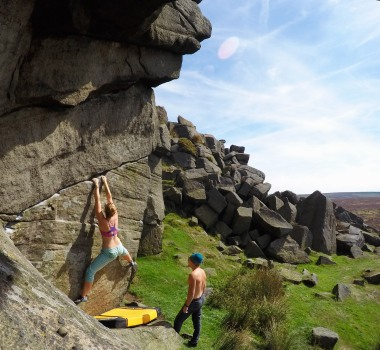 Pulling through the middle of a delicate and pumpy traverse